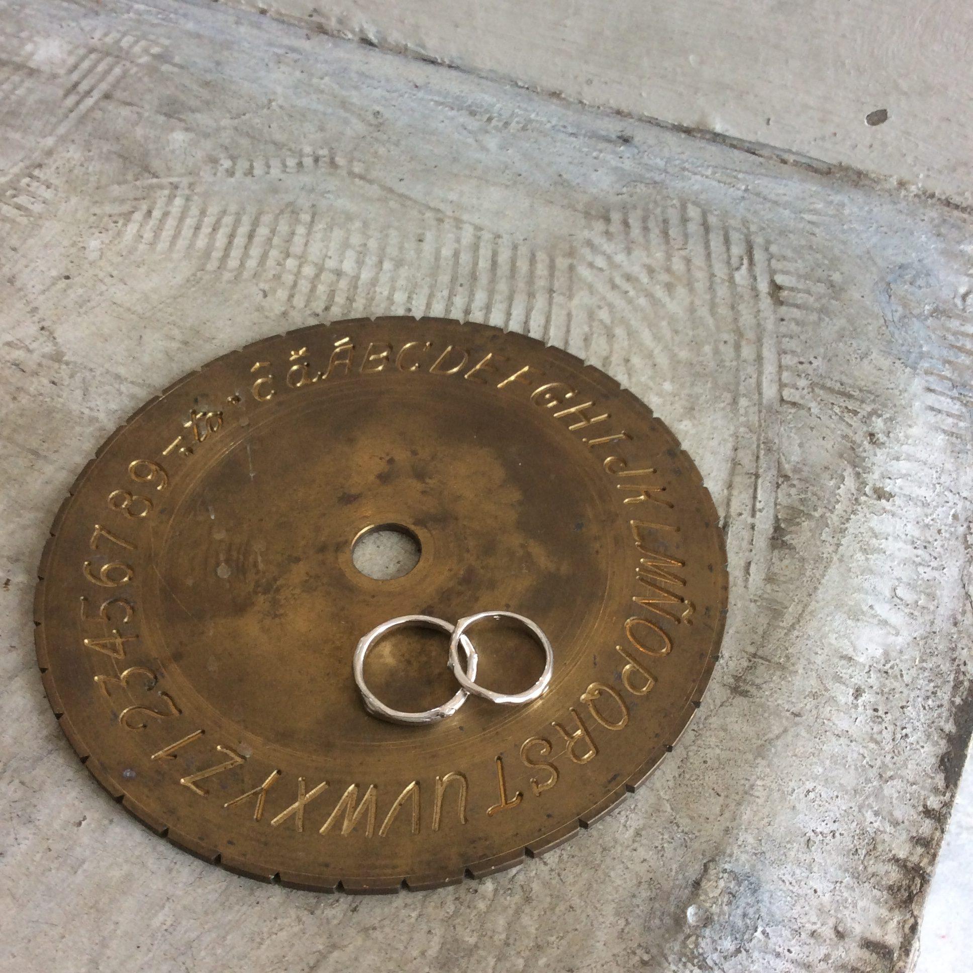 ◆小枝デザインの結婚指輪◆