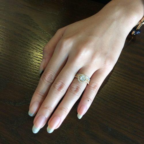 重ね付け婚約指輪