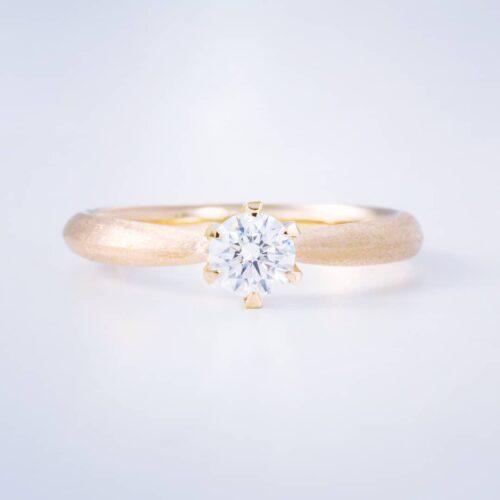 婚約指輪〈sol no5〉にご紹介