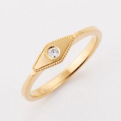 アメリカで活躍するジュエリー作家 Christy Natsumi の婚約指輪 フォルムがチャーミングな逸品 日本ではBlue Doveでオーダーできます アメリカで一本一本作家が幅やテクスチャーを変更し製作 craftsmanship