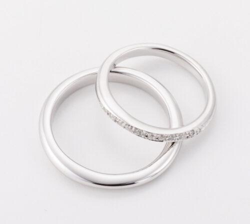緩やかな曲線が指に馴染むコンサバティブなデザイン デザインに迷った時にみつめ直す結婚指輪