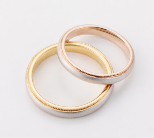 スタンダードなコンビリング 幅やテクスチャー(模様)もご相談ください 世界で一組の結婚指輪を 思いのままにカスタム