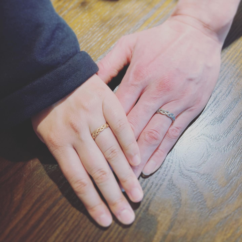 水引きモチーフの結婚指輪〈NAOYUKI MURAMATSU〉